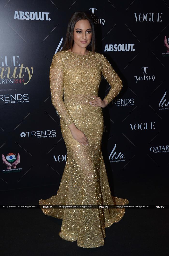 Vogue Beauty Awards 2018: इन स्टार्स ने अवॉर्ड नाइट में लगाए चार चांद...