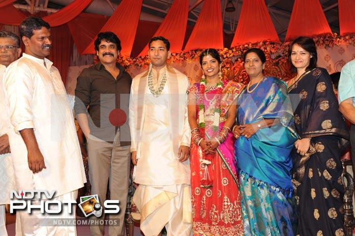 Stars at wedding of Shyam Prasad\'s daughter
