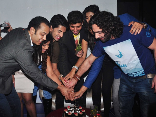 Photo : Bigg Boss Pals Party With Pritam