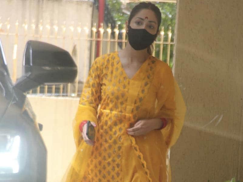 Photo : शादी के बाद मुंबई में कुछ यूं स्पॉट की गईं यामी गौतम