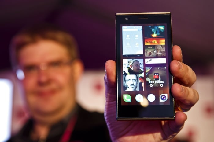 10 most popular mobiles of 2013
