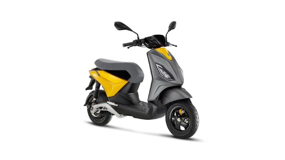 Piaggio One इलेक्ट्रिक स्कूटर सिंगल चार्ज में चलता है 100 किलोमीटर, जानें इसकी खूबियां