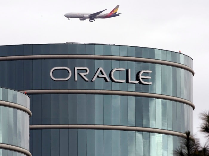 Oracle buys Sun (April 2009)