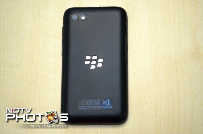 BlackBerry Q5: First look