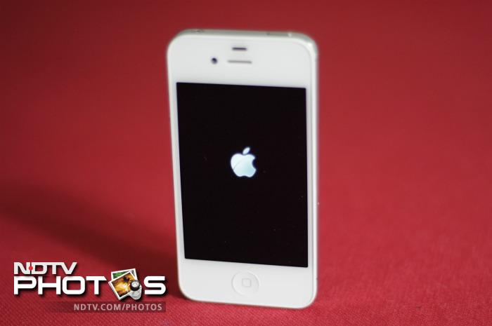 In Pics: Unboxing the iPhone 4S