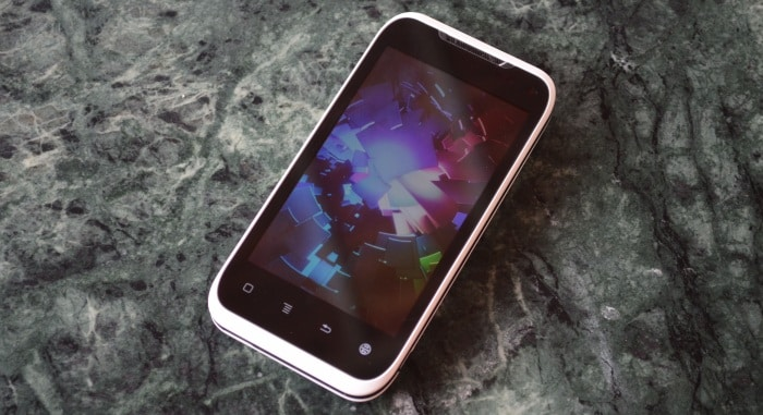 Karbonn A9 in pictures