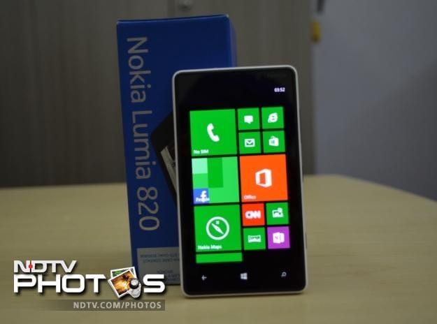 Nokia Lumia 820: In pictures