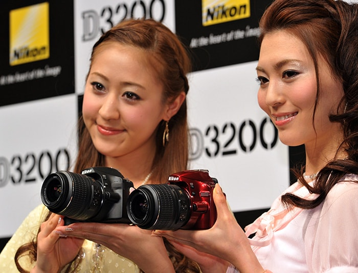 Nikon introduces D3200 entry-level DSLR ?