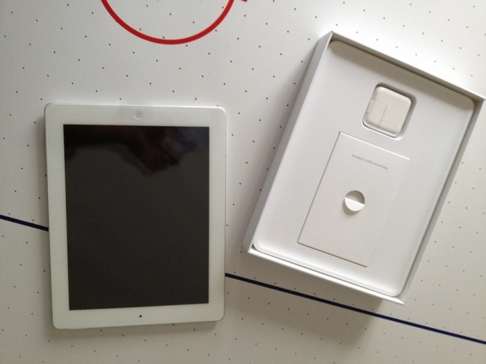 Unboxing the new iPad