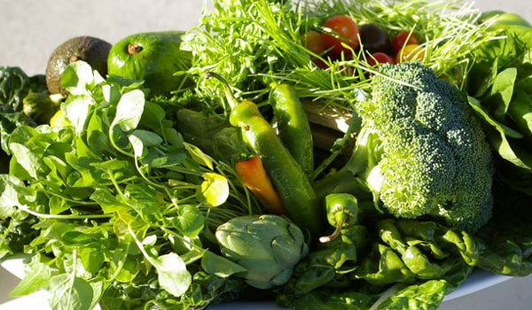 Acidity leads to the sour or burning sensation in the chest. Include green leafy vegetables and sprouts in your diet as these contain vitamins B and E, which aid digestion and also facilitate the elimination of acids from the body.