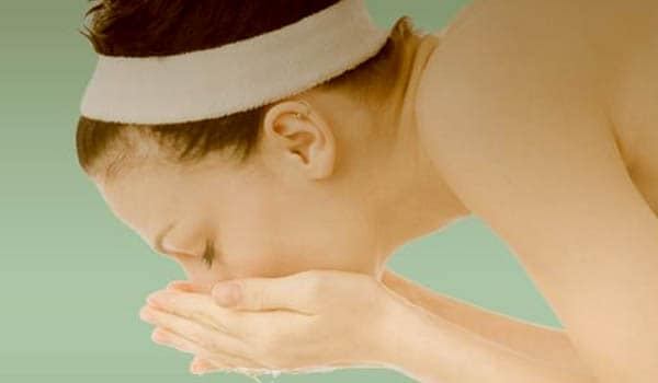 Wash the skin twice a day using a mild soap, especially after exercise.