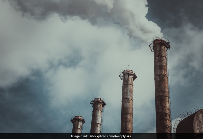 Air pollution is caused by dust from tractors plowing fields, trucks and cars driving on dirt or gravel roads, rock quarries and smoke from wood and crop fires.