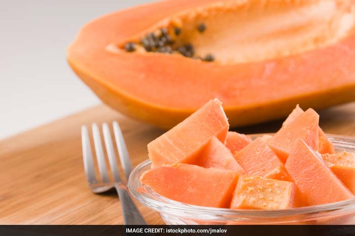 Papayas is a rich source of antioxidants, vitamin E, vitamin C, vitamin A and vitamin D. These antioxidants helps prevent oxidation of LDL cholesterol which if not taken care of can stick to and build up in blood vessel walls forming dangerous plaques leading to atherosclerosis, heart attacks or strokes.