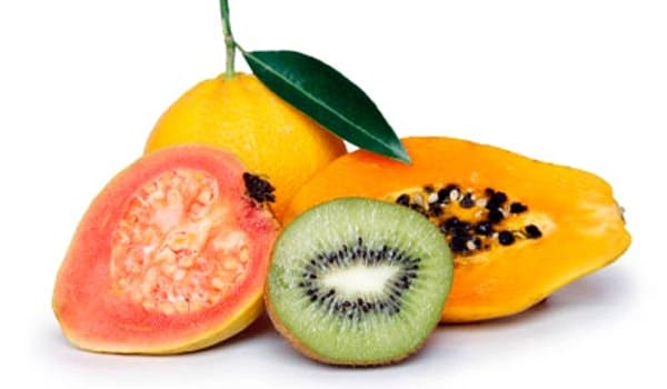Diets low in fruits and vegetables may increase the risk of cervical cancer. Increasing one