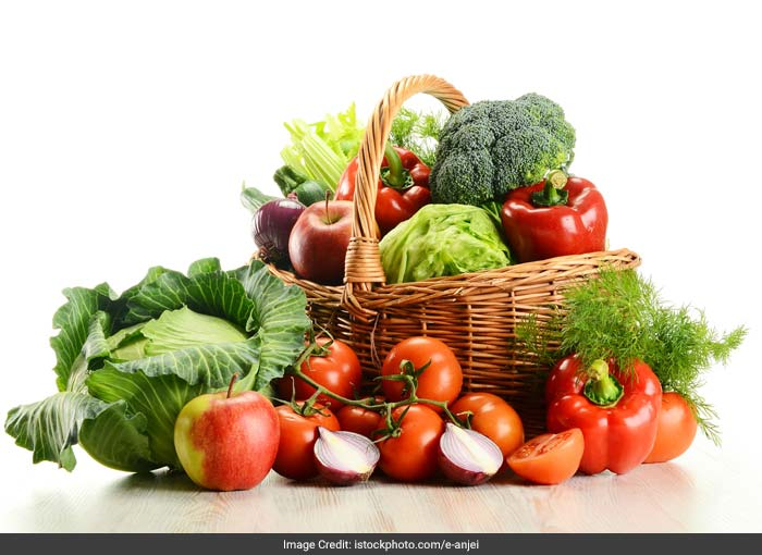 The foods you eat contribute to your eye health. A diet rich in fruits and vegetables and fish contributes directly by supplying certain vitamins, minerals and essential fatty acids to your eyes. So, follow a healthy diet and avoid too spicy and greasy foods.