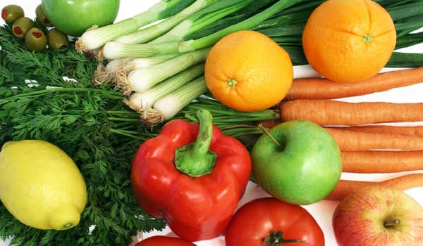 A balanced diet helps deal with constipation. This diet should consist of unrefined foods such as wholegrain cereals, lentils, bran, sprouts, honey, raddish, green leafy vegetables (like spinach, beans, carrot, cabbage etc.), fresh fruits, dry fruits and milk products (butter, ghee and cream). Include five servings of these fruits and vegetables in your diet daily.