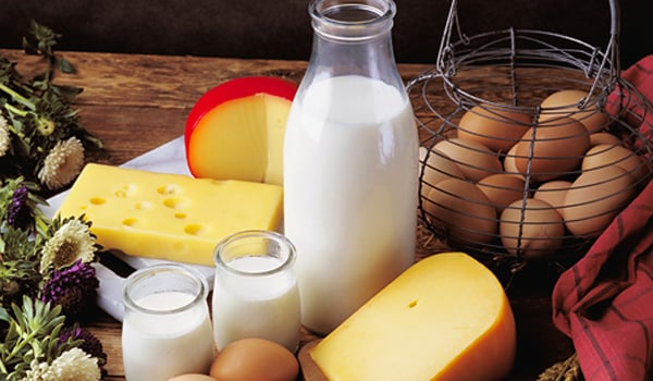 Dairy products such as yoghurt, milk, cheese etc. contain minerals like zinc, which helps the production of melanin, a protective eye pigment.