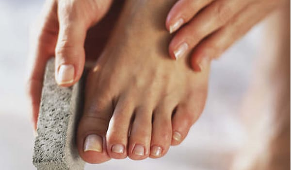 Avoid applying moisturiser between your toes during the rainy season. Keeping the feet dry is very important.