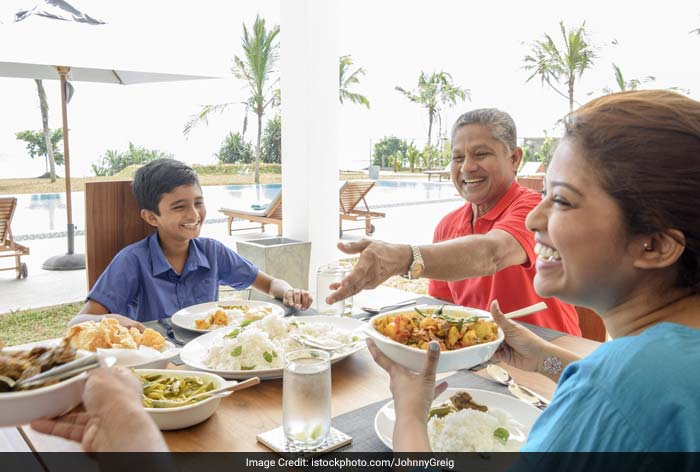 Invite a friend of the child who has a large appetite or an adult that the child likes for dinner like an uncle or aunt. Sometimes, a child will eat for someone else without any fuss.