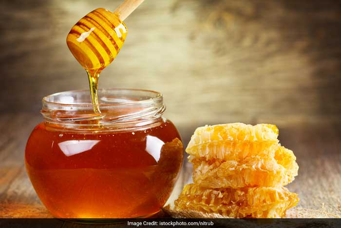 Honey has been considered an ideal food for all the energy required for those long hours spent in the bedroom. In fact, the golden substance when had with nutmeg is said to further improve an orgasm.