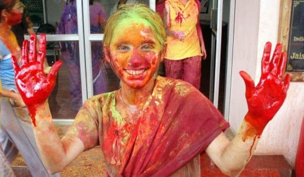 Individuals with a history of eczema or Atopic Dermatitis are at a high risk of developing allergic contact dermatitis to Holi colours and dyes. This will manifest in itching, a red rash and irritation on the area of contact. Such individuals should use a barrier cream (white soft, yellow soft, paraffin) prior to playing Holi. They should avoid using colour on sensitive areas on the face.