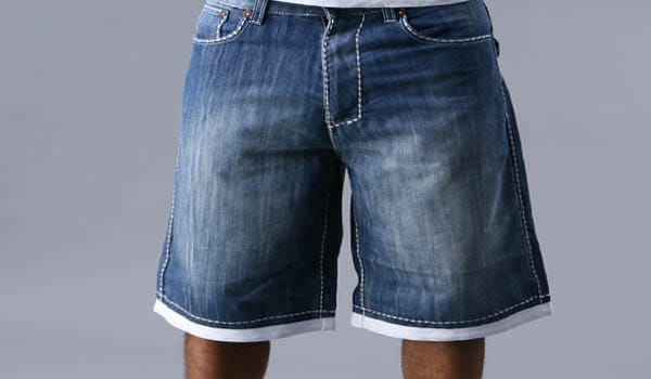Wear loose-fitting, absorbent cotton shorts.