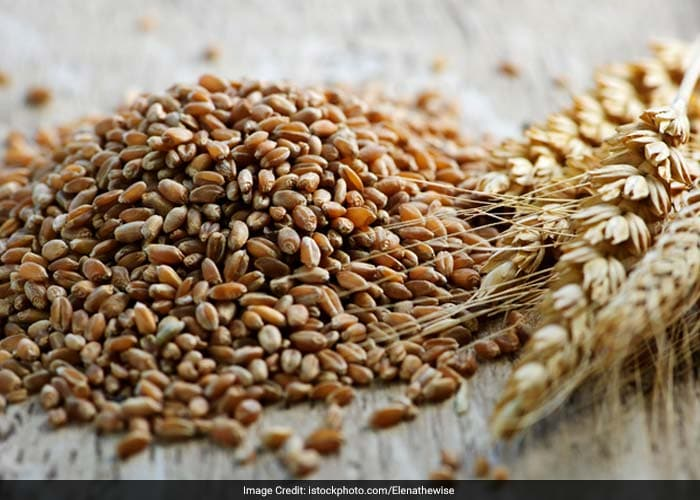 Insoluble fibre found in wheat, rye, barley, and rice help to reduce calcium in the urine. It combines with calcium in the intestines, so that the calcium is excreted with the stool instead of through the kidneys.
