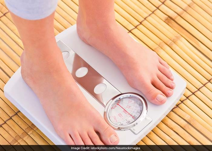 Carrying as few as three-four kilos can affect the use of your knees. Proper diet and exercise can help you to shed pounds and limit the pressure on knee joints, thereby minimising any chances of knee pain.