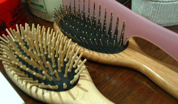 Do not share combs, brushes, hats, scarves, ribbons, or other personal items to prevent lice infestation.