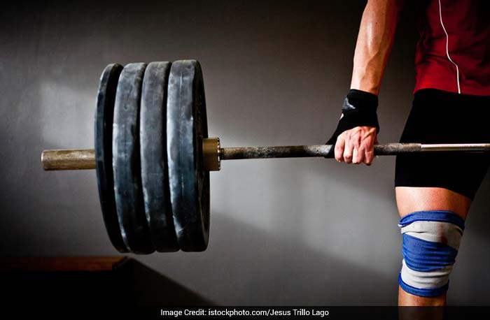Lifting heavy weights does not cause any problems related to sexual pleasure.
