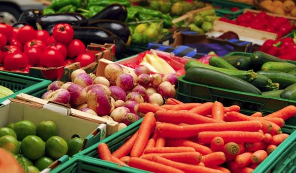 Eating vegetables is be a healthy choice as they help remove some deposits on the teeth.