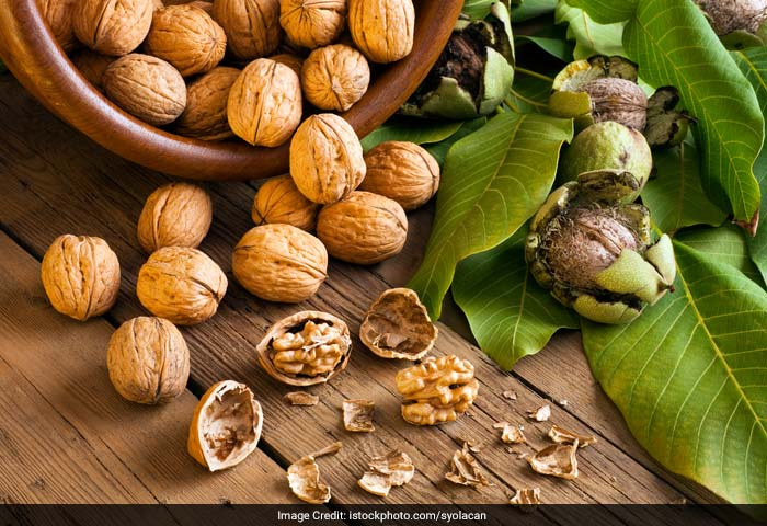 Eating walnuts regularly help to improve the smoothness and softness of the skin. Walnuts oils contain linoleic acid, which helps to maintain the skin's structure, keeping it watertight and well hydrated.