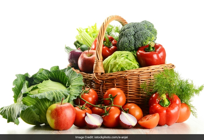 Malnutrition and nutrient deficiencies cause low sperm count. Deficiency of Vitamin C, Zinc, selenium etc can reduce sperm count. So, try having a diet rich in these nutrients.