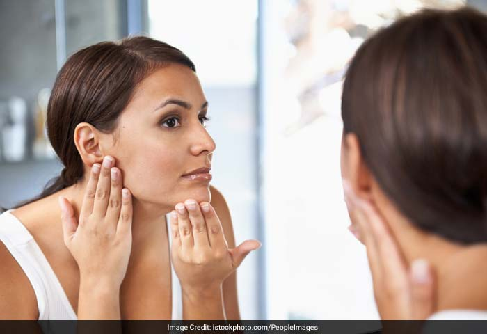 First step towards beautiful skin is determining your skin type. This helps choosing your skin care products and developing your own skin care routine. Know whether you have a dry skin, an oily one or a mix of both.