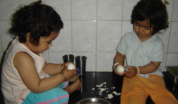 Twins are children who get along more or less easily with each other just like other siblings. At times, twins may behave as if they are one person, thinking, speaking and moving alike. It is their separateness that needs to be emphasized. For the development of each twin, it is very important that both of you spend individual time with each baby. <span class=