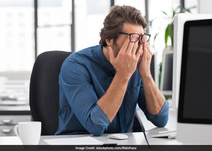 The eyes and nose are the most common routes of entry for flu and cold viruses. So, avoid touching your eyes or nose while working on the computer or while travelling.