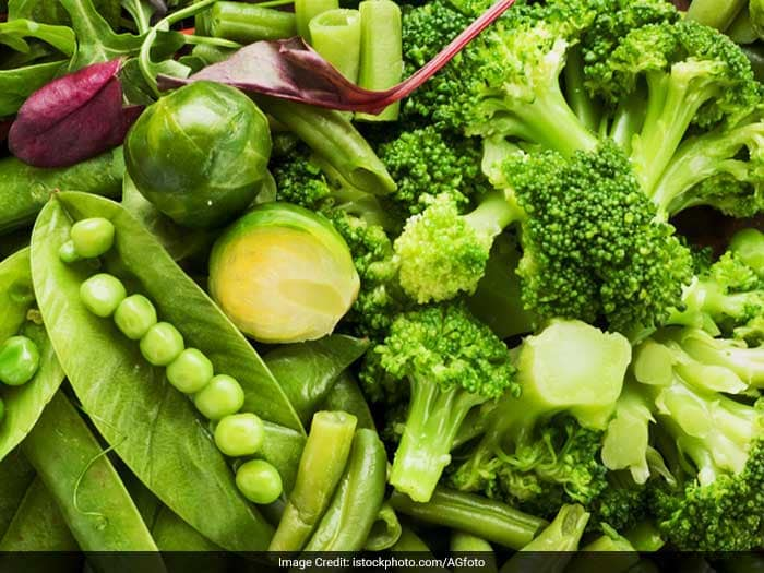 A diet rich in antioxidants like broccoli, red peppers, cauliflower and other yellow, red and green vegetables that are high in vitamins A, C and E that fight the oxidation that damages your tissues.