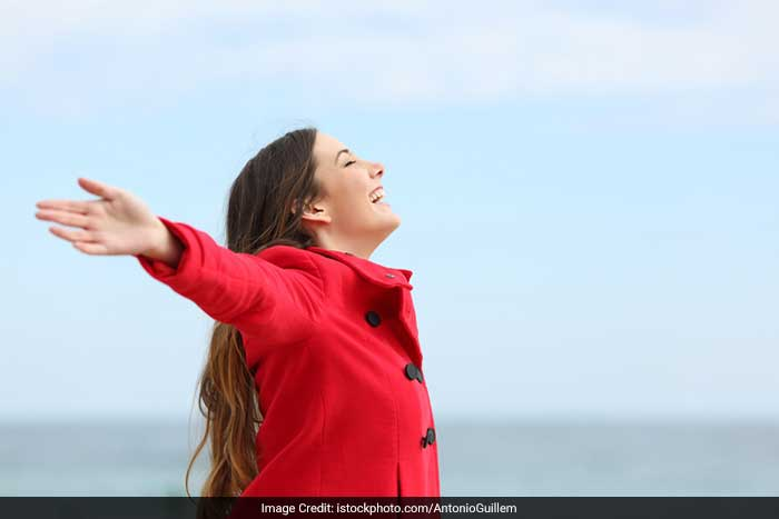 Those who remain happy and avoid stress look young and healthy. So, avoid stress by practicing relaxation exercises and thinking positive.