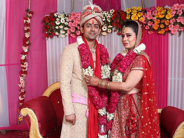Photo : Abhishek & Nidhi's Filmy Love Story Goes Back 18 Years