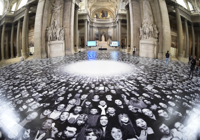 Photo : The Pantheon in Paris Gets a Face-lift by Street Artist