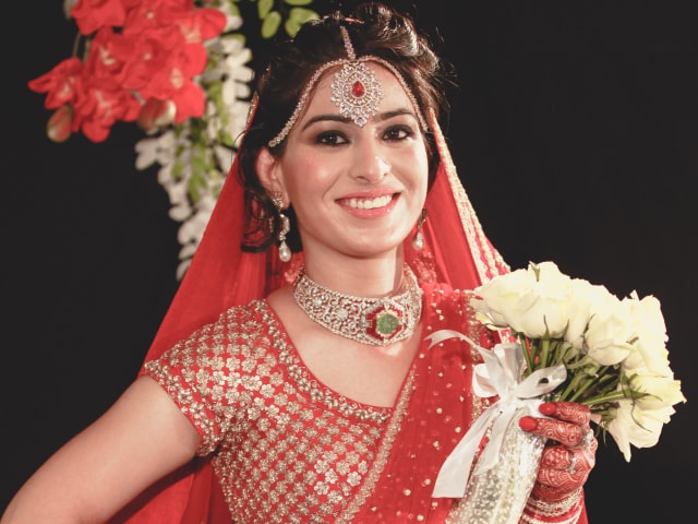 Photo : Bride Roshni found love in a match arranged by her parents