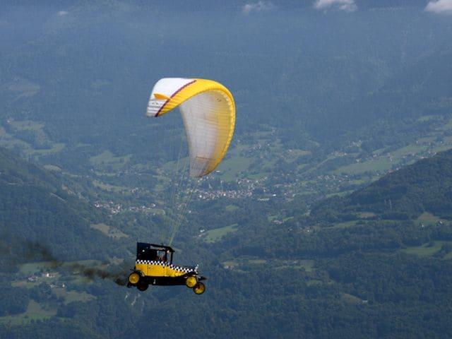 Photo : Breathtaking paragliding moments from the 40th Icare Cup