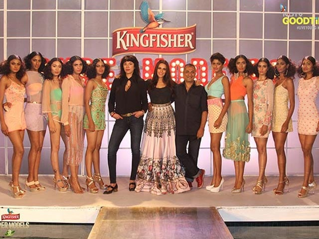 Photo : Kingfisher Supermodels Get Ready for Mortal Combat