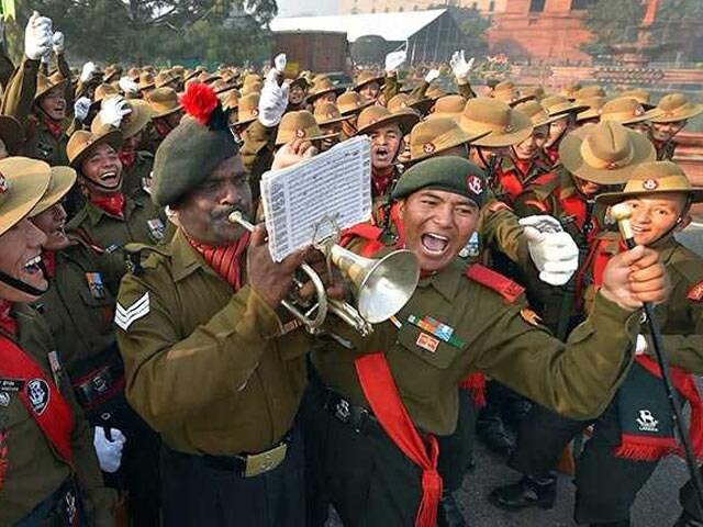 Photo : गणतंत्र दिवस: फोटोज़ में देखें कैसे मस्ती भरे अंदाज़ में चल रही है तैयारियां