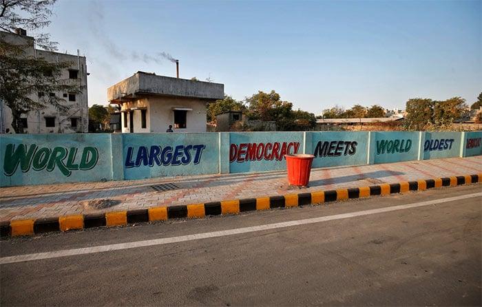 डोनाल्ड ट्रंप के स्वागत के लिए गुजरात सरकार खर्च करेगी 80 करोड़ रुपये