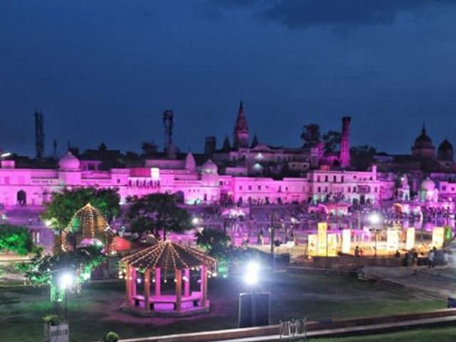 Photo : शिलान्यास से पहले कुछ इस तरह नजर आई राम की नगरी अयोध्या