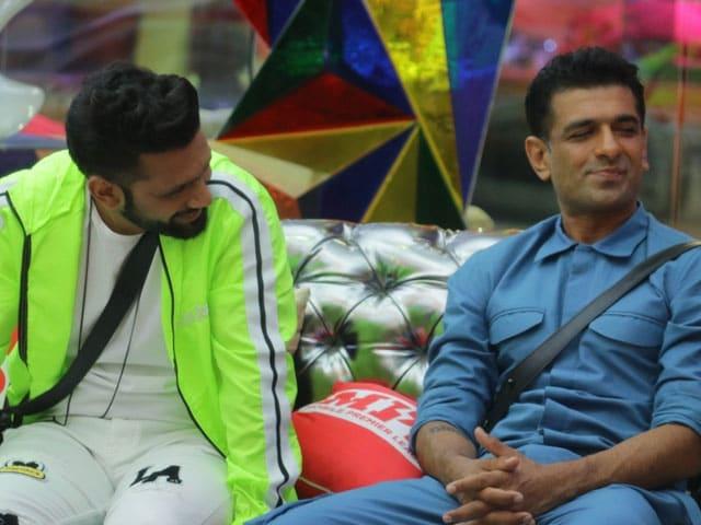 Bigg Boss 14: सलमान खान के सामने एजाज ने खोला बड़ा राज