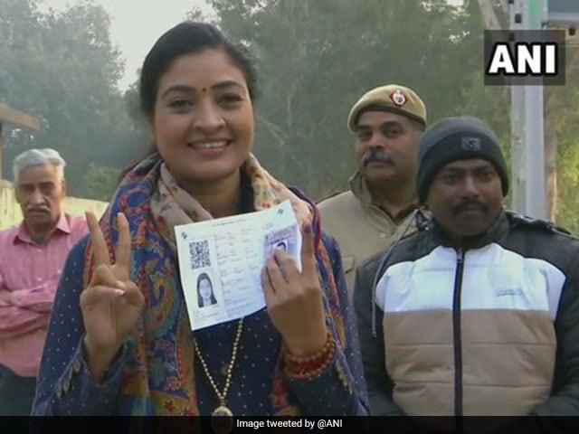 Delhi Assembly Election 2020: सीएम अरविंद केजरीवाल समेत इन नेताओं ने किया मतदान