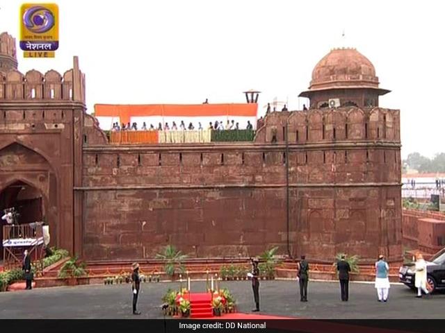 तस्वीरों में देखें लाल किले से स्वतंत्रता दिवस समारोह की कुछ झलकियां