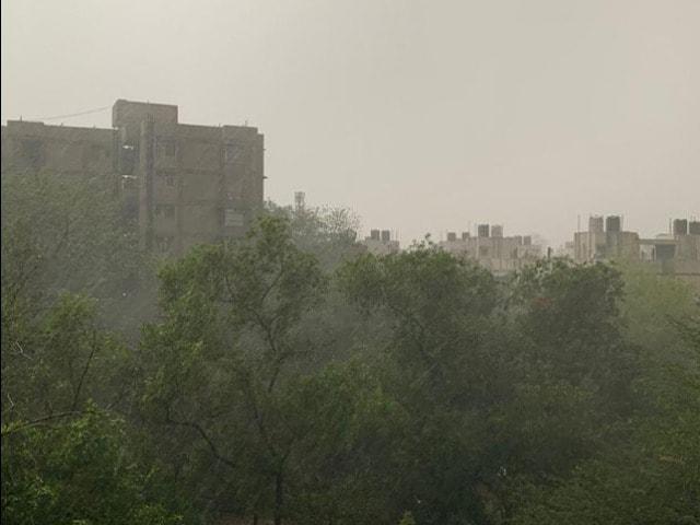 Photo : Heavy Rain, Hail Hit Parts Of Delhi, Noida